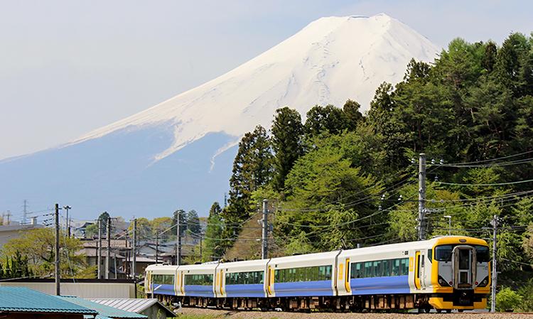 ホリデー快速富士山