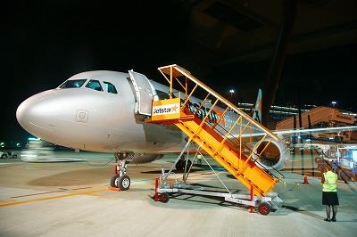 成田空港深夜